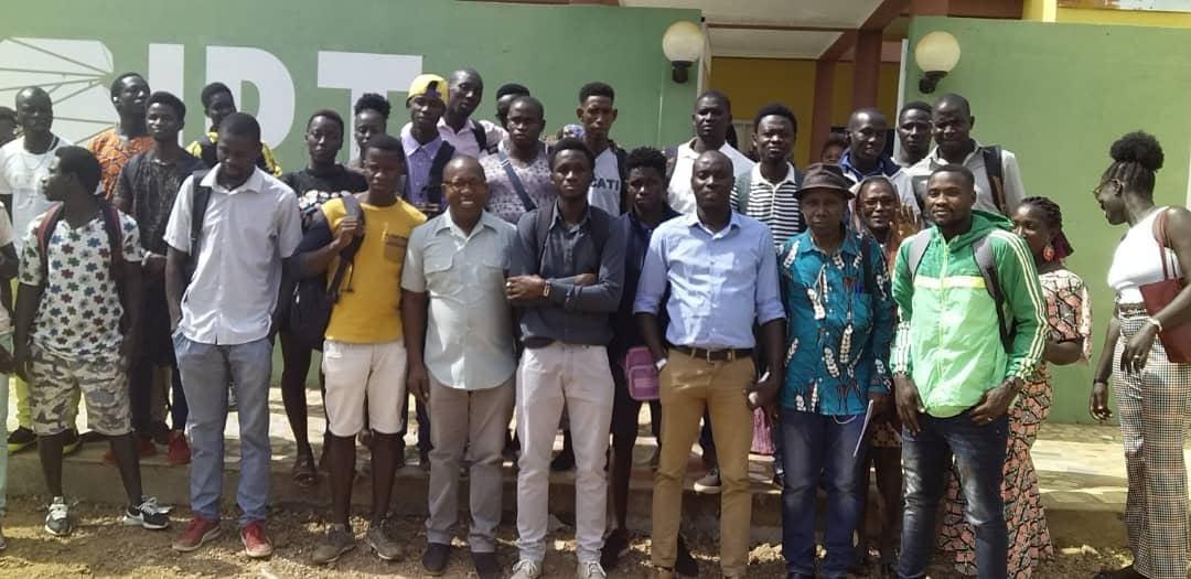 IPT Visita à Rádio Jovem dos Estudantes
